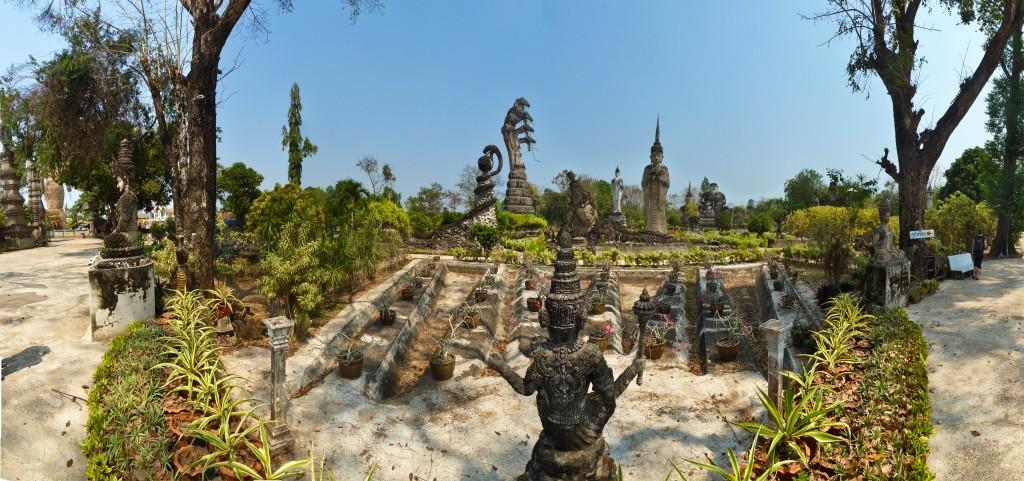 Faszinierender Skulpturenpark von Wat Kaeo Ku