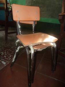 Stühle vor der Reparatur