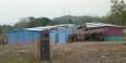 Häuser mit Latrinen aus einem Hilfsprojekt für die Ärmsten