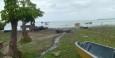 Abwasserrinnsal in den See